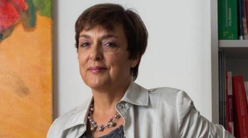 «La Suisse est un pays aussi qui sait mener des actions concrètes et utiles, avec modestie mais avec détermination, qui y parvient par son impartialité, par le travail et par le dialogue. Un pays qui apporte de l'eau à ceux qui ont soif, quel que soit leur camp», dit Nicoletta Mariolini.
