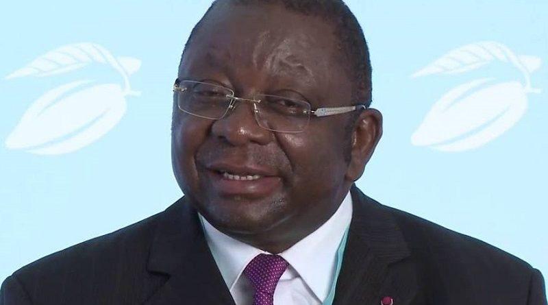 Luc Magloire Mbarga Atangana a, le 07 février 2018 à Yaoundé, sommé les chefs d'entreprises de se conformer à la réglementation en vigueur avant écoulement des oléagineux.