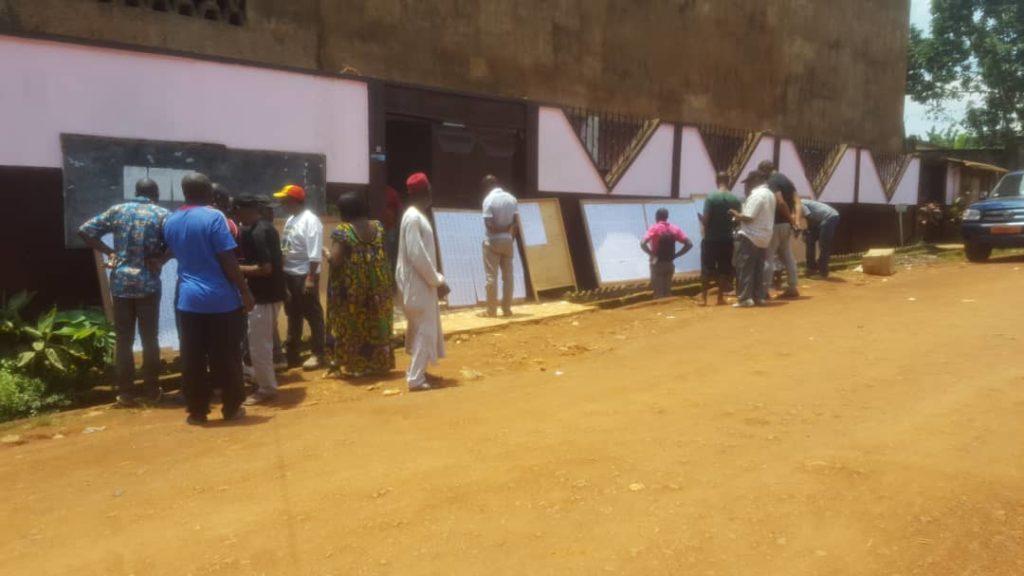 Yaoundé : absence dengouement dans les bureaux vote journal